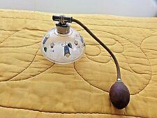 Ancien flacon de parfum en verre émaillé-vaporisateur avec poire vintage