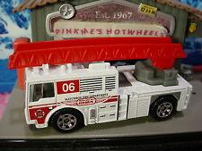 2015 FIRE Design FIRE ENGINE - 2006☆White; Red Ladder truck;06 FD☆LOOSE☆Matchbox