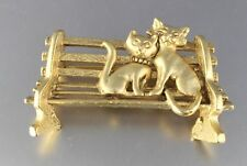 VINTAGE 70'S GOLD TONE CAT KITTEN BENCH BROOCH PIN SIGNED AJC