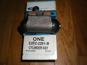 NOS 1981 - 1987 Ford Escort Rear Brake Cylinder RH E2FZ-2261-B