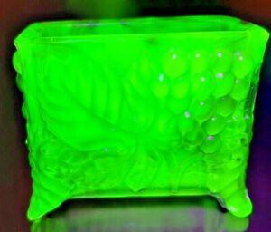 Boyd Glass Business Card Holder Lime Green Vaseline Glass Glows UV Light Uranium