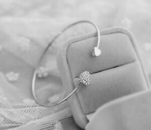 ❤heart opening rhinestone silver coloured braclet❤