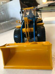 NZG Komatsu WA500 Malcolm Construction 1:50 Mint