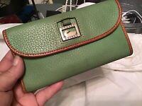 Dooney Bourke Dillen Pebbled Vachetta Leather Envelope Continental Wallet GREEN