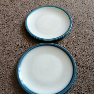 Wedgewood blue Pacific dinner plates x2