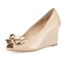 TORY BURCH Bow Open Toe Wedge PUMPS 10 Patent Leather Nude Gold Logo NEW