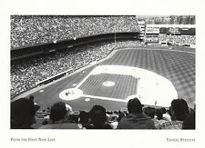 (19008) Postcard - Yankee Stadium - From the Frist Base Line - Modern card.