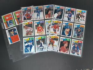 LOT OF 22 1983-84 OPC HOCKEY CARDS - WAYNE GRETZKY , BOBBY CLARKE , P. STASTNY