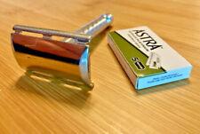 Vintage 1970s U2 Brazil GILLETTE TECH three piece double edge DE safety razor