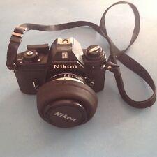 Fotocamera Nikon E on custodia originale