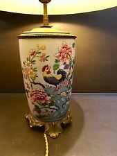 Magnifique pied de lampe en porcelaine de Chine, décor coq et pivoines