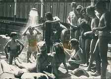 Paris, à la piscine Vintage silver print Tirage argentique  13x1