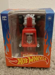CLUB 28 LOYAL SUBJECTS Hot Wheels Candy Red Bone Speeder. Only 1 for sale Rare