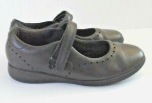 Clarks Mendip Joy Kid Black Leather Size 1 !/2  School Shoes Used