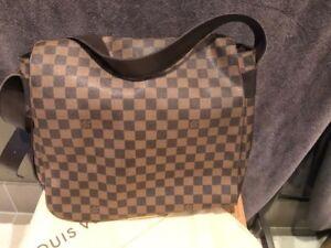Louis Vuitton Auth Damier Messenger Bag