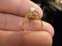 BEAUTIFUL LADIES 10K YELLOW GOLD & OVAL OPAL RING WITH SPINEL ACCENTS, SIZE 4.25