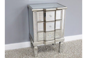 Small Mirrored 3 Drawer Bedside Cabinet Venetian Mirrored Silver Nightstand 3694