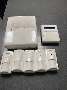 Risco Agility Alarm System Inc 5 Sensors & Fobs