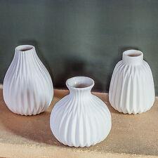 'Cordelia' Contemporary White Porcelain Bud Vase Trio Home Decor Accessory