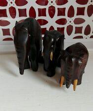 Lot de 3 éléphants en bois lourd Artisanale Vintage