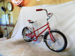 1977 SCHWINN STINGRAY PIXIE MINI 16 BIKE MIDGET RED CLEAN TWIN BAR CHICAGO USA!