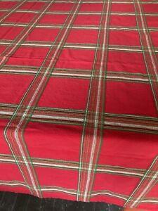 LENOX Holiday Gatherings Oblong Tablecloth 49 x 66 Red Green Tartan Plaid