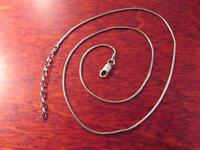 Hübsche 925 Silber Kette Schlangenkette Filigran Elegant Designer Matt Modern