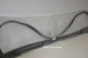 97-01Chevrolet Venture,Oldsmobile Silhoe Windshield Glass Molding Weatherstrip