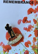 Lest We Forgot 1914-2014 Soldier On Poppy Remembrance Day Lapel Pin Badge
