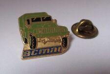 pin's armée / camion militaire tout terrain ACMAT (doré signé Pichard)