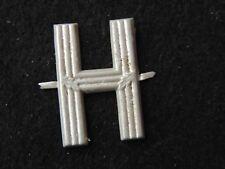 Ancienne Lettre H Aluminium lettrage industrie imprimerie initial métal pochoir