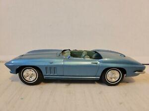 VINTAGE ORIGINAL1966 CHEVROLET CORVETTE PROMO PLASTIC MODEL PARTS CAR