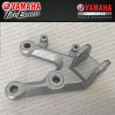 2015-2017 YAMAHA YZF R3 YZFR3 LEFT FOOTREST BRACKET PEG MOUNT LH 1WD-F7442-00-00