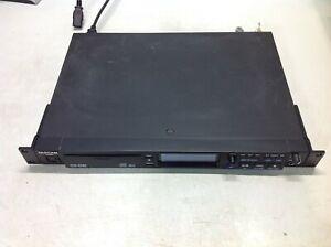 Tascam Rackmount Professional CD Player CD-01U