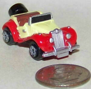 Small Micro Machine MG Convertible in Red and Off White