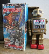 Rotate O Matic Super Astronaut Metal plastic 1960s  Robot & box Gold red