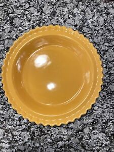 """Chantal Round Scalloped Butter Yellow 9"""" 1qt Pie Plate Baking Dish Easter Spring"""