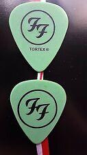 Foo Fighters (2) 2004 Saul Goode picks (big & small circle/Tortex)
