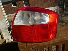2002 03 04 05 AUDI A4 S4 SEDAN COMPLETE FACTORY RIGHT TAIL LIGHT USED