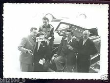 photo originale . rallye automobile SOLEIL -  CANNES .. fin des années 40 ..