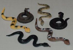 Plastic Snakes High colour detail Halloween FREE POST UK SELLER