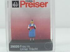 Preiser 29020 H0 Frau in Urner Tracht