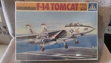 Italeri Grumman F-14 Tomcat Model Kit - 1:72 Scale - No. 156    (B 18)