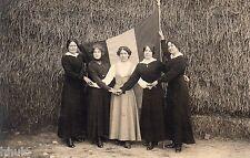 BK395 Carte Photo vintage card RPPC Femme woman fête 14 Juillet drapeau foin