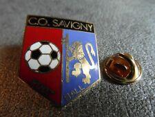 RARE PINS PIN'S - FOOTBALL - CO SAVIGNY- SPORT - BLASON - Signé HARMONIE * EGF *
