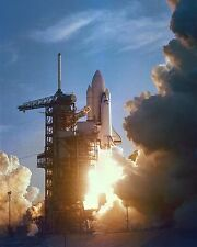 SPACE SHUTTLE COLUMBIA LAUNCH OF STS-1 ON MAIDEN FLIGHT - 8X10 PHOTO (EP-398)