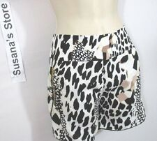 NWT BEBE NICOLE PRINTED SHORTS SIZE M .GOT YOU Catching Eye STARES! W/EMBROIDERY