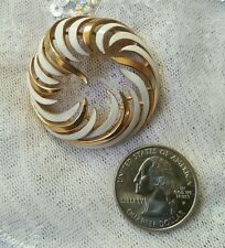 Crown Trifari White Enamel and Goldtone Brooch Pin Vintage Mid Century