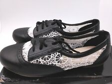 Ollio Womens Shoe Classic Lace Up Dress Low Flat Heel Oxford US 7 Black/Wht NEW