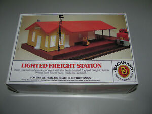Bachmann Ho Scale Lighted Freight Station Item 46216 New Never Opened In Box